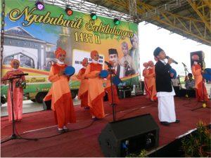 Penampilan Kasidah dari Kecamatan Cikancung yang juga Siswa SD berprestasi juara ke 1 lomba Pendidikan agama Islam (PAI) SD tingkat Jawa Barat.