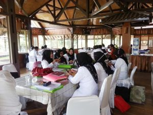 Para Calon Kepala Sekolah (Cakep),  asal Kab.  Bandung mengikuti  kegiatan bintek di kawasan Argapuri desa mekarsari Kecamatan pasirjambu Kab.  Bandung,  Sabtu ( 15/7)