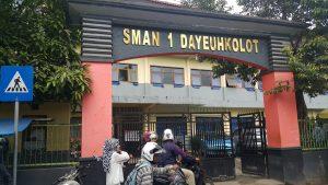 SMA Negeri 1 Dayeuhkolot Kabupaten Bandung.