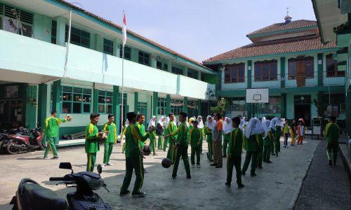 Lingkungan SMP Negeri Cisaat (NECIS).