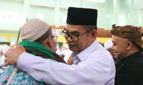 Wakil Bupati Sukabumi Sambut Kepulangan Jemaah Haji Kloter 59