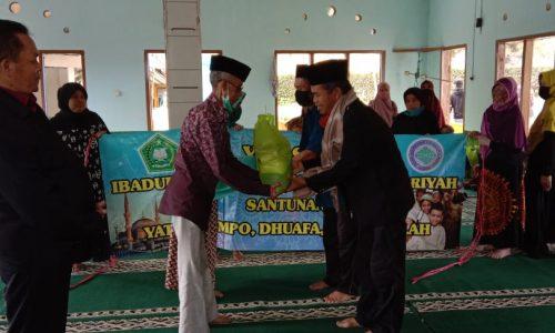 Yayasan Ibadurrohman Bagikan Paket Sembako untuk Masyarakat Terdampak Corona