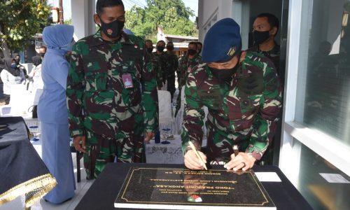 Danlanud Husein Sastranegara Resmikan Toko 'Prajurit Angkasa'