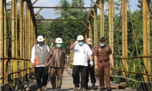 Dinilai Berhasil Membbangun Kabupaten Sukabumi, Marwan Diminta Harus Dua Periode