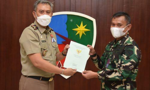 BPN Kota Bandung Serahkan 3 Sertifikat Tanah kepada Lanud Husein Sastranegara