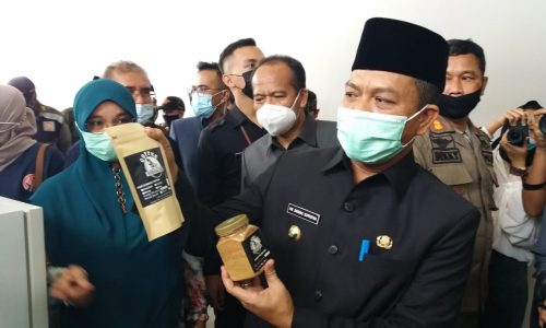 Diikuti Ratusan Pengrajin Usaha Mikro, Bupati Bandung Resmikan Bazar Ramadan