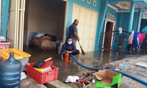 Sambungan Pipa Utama Gambung Rusak, 4 Rumah Kebanjiran