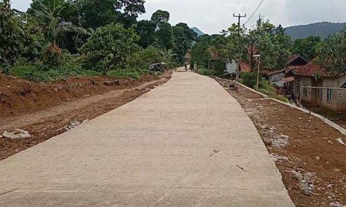 Desa Kutawaringin Ikut Nikmati Hasil TMMD Kodim Cianjur di Ciandam