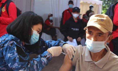 Bersama BIN, Rumah Sakit dr. M. Salamun Layani Vaksinasi 'Door to Door'