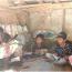 Lebih Baik Baca Buku, Satgas TMMD Sarankan Anak-anak Ciandam Tidak Keseringan Main Gadget