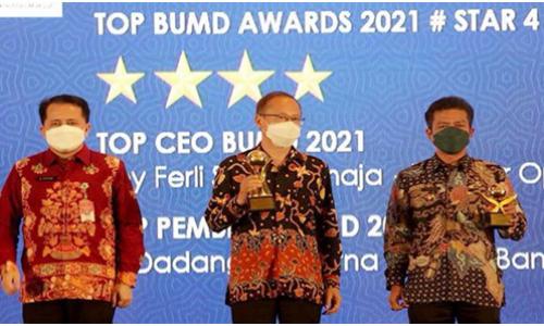 Bupati Bandung Raih Penghargaan TOP Pembina BUMD, Boy Ferli TOP CEO 2021